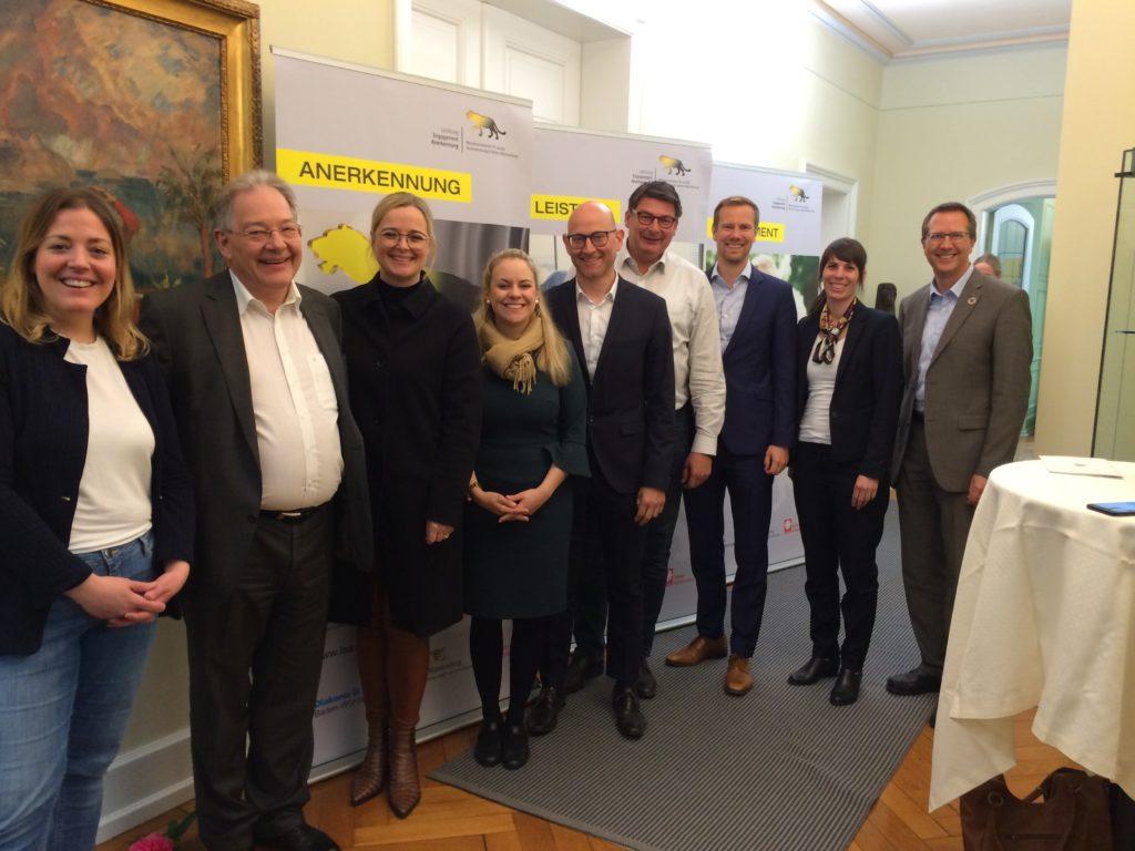 Jury aus elf hochkarätigen Fach-, Wirtschafts- und Medienexperten für den Lea-Mittelstandspreis
